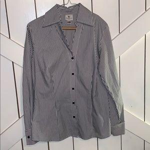 Worthington stretch button down shirt